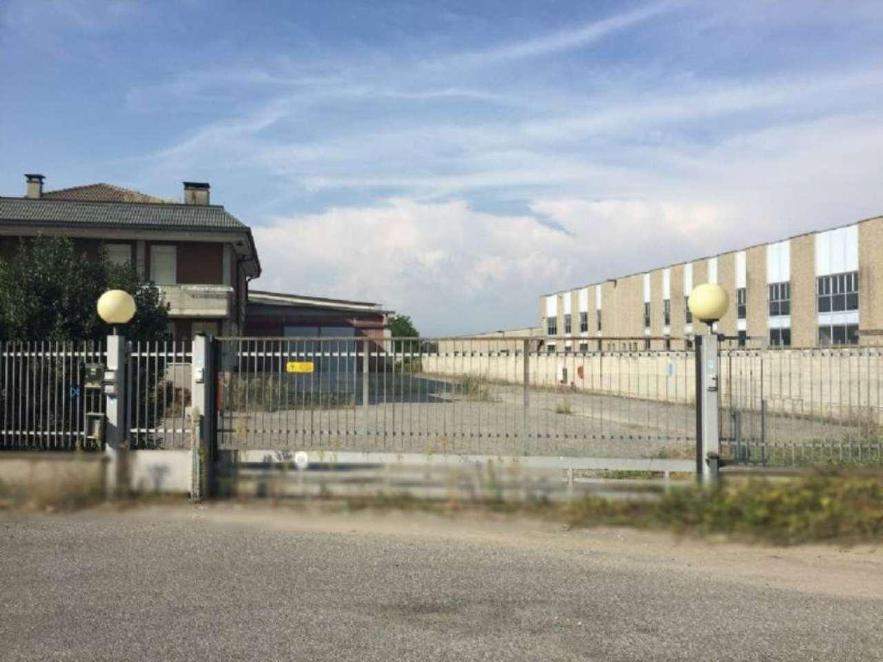 Capannone in affitto a Fara Gera d'Adda, 9999 locali, prezzo € 2.916 | CambioCasa.it