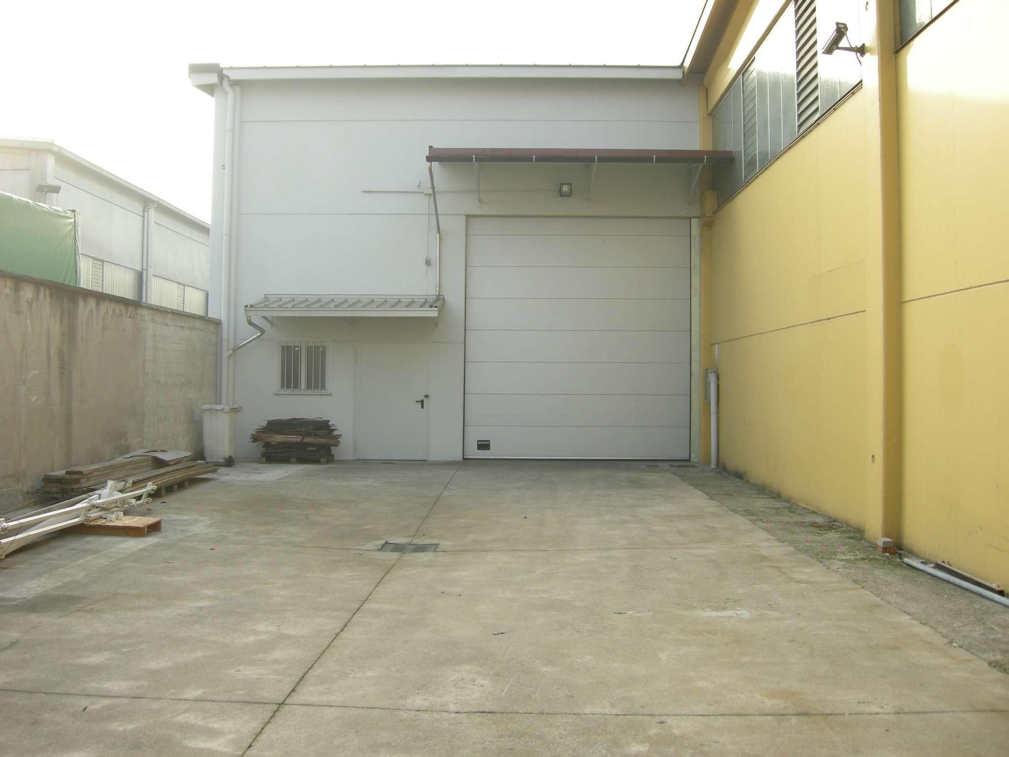 Capannone in affitto a Vimodrone, 9999 locali, prezzo € 2.083 | Cambio Casa.it
