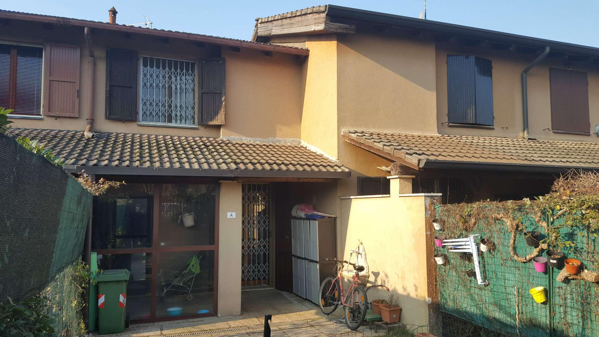 Villa a Schiera in affitto a Rodano, 3 locali, prezzo € 800 | Cambio Casa.it