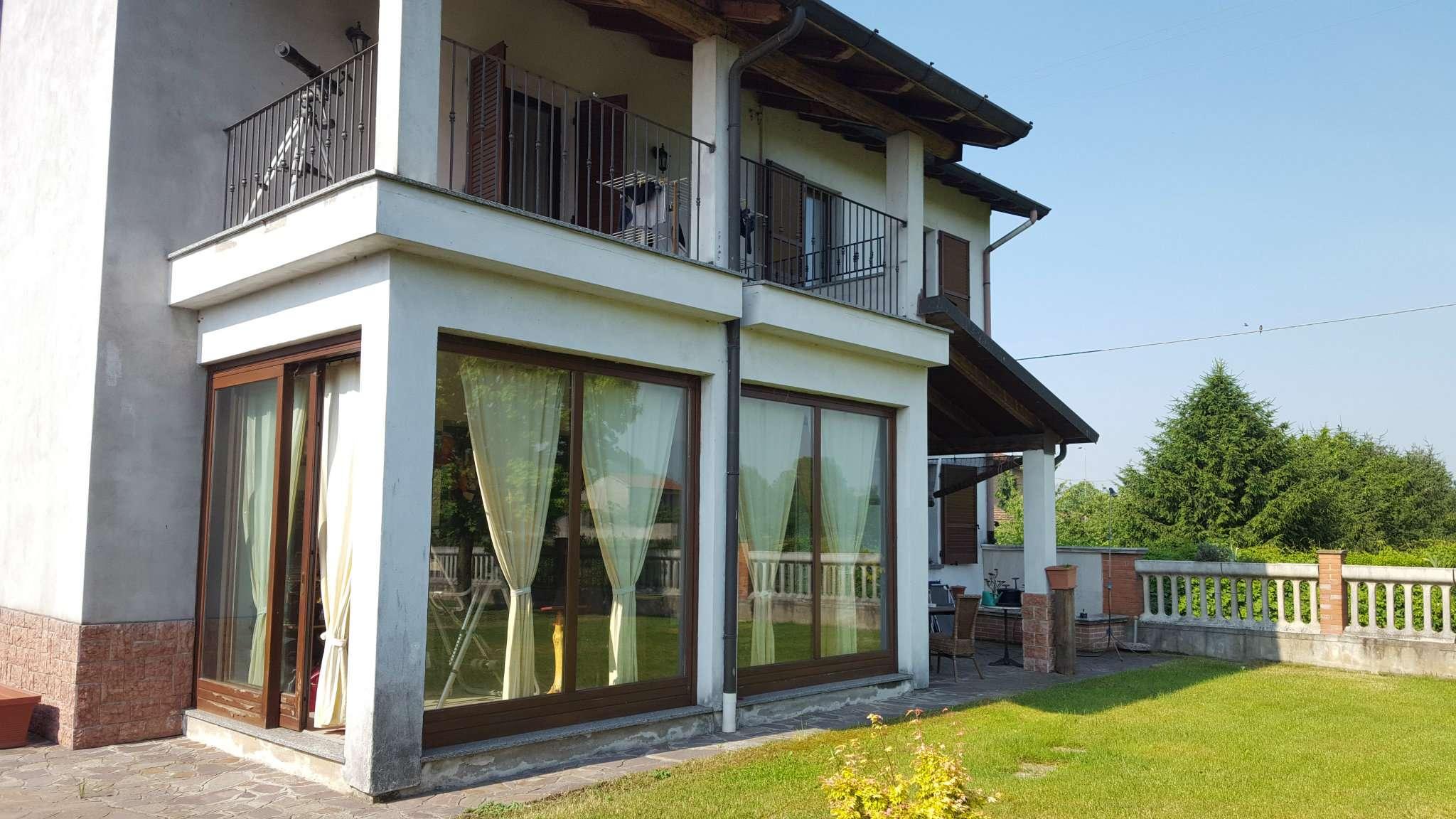 Villa in vendita a Cassano d'Adda, 3 locali, prezzo € 279.000 | CambioCasa.it