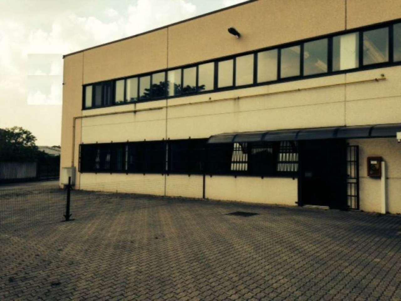 Capannone in vendita a Bellinzago Lombardo, 9999 locali, prezzo € 270.000 | Cambio Casa.it