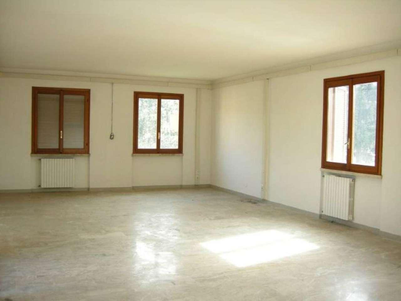 Ufficio / Studio in affitto a Cernusco sul Naviglio, 9999 locali, prezzo € 1.000 | CambioCasa.it
