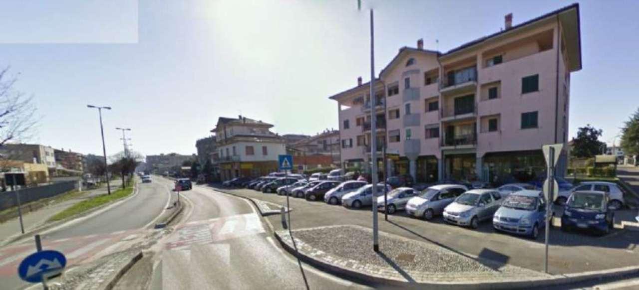 Negozio / Locale in vendita a Cassano d'Adda, 1 locali, prezzo € 660.000 | CambioCasa.it