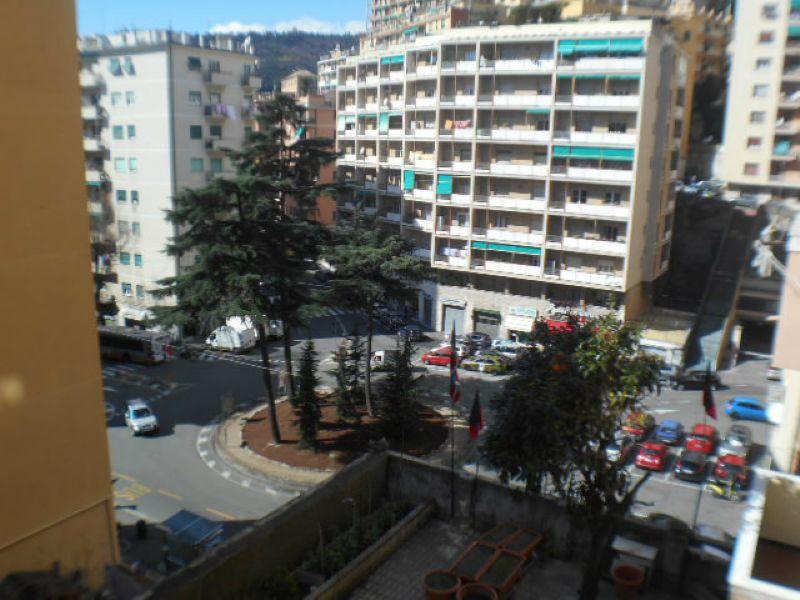 Appartamento in affitto a Genova, 6 locali, zona Zona: 5 . Marassi-Staglieno, prezzo € 630 | Cambio Casa.it