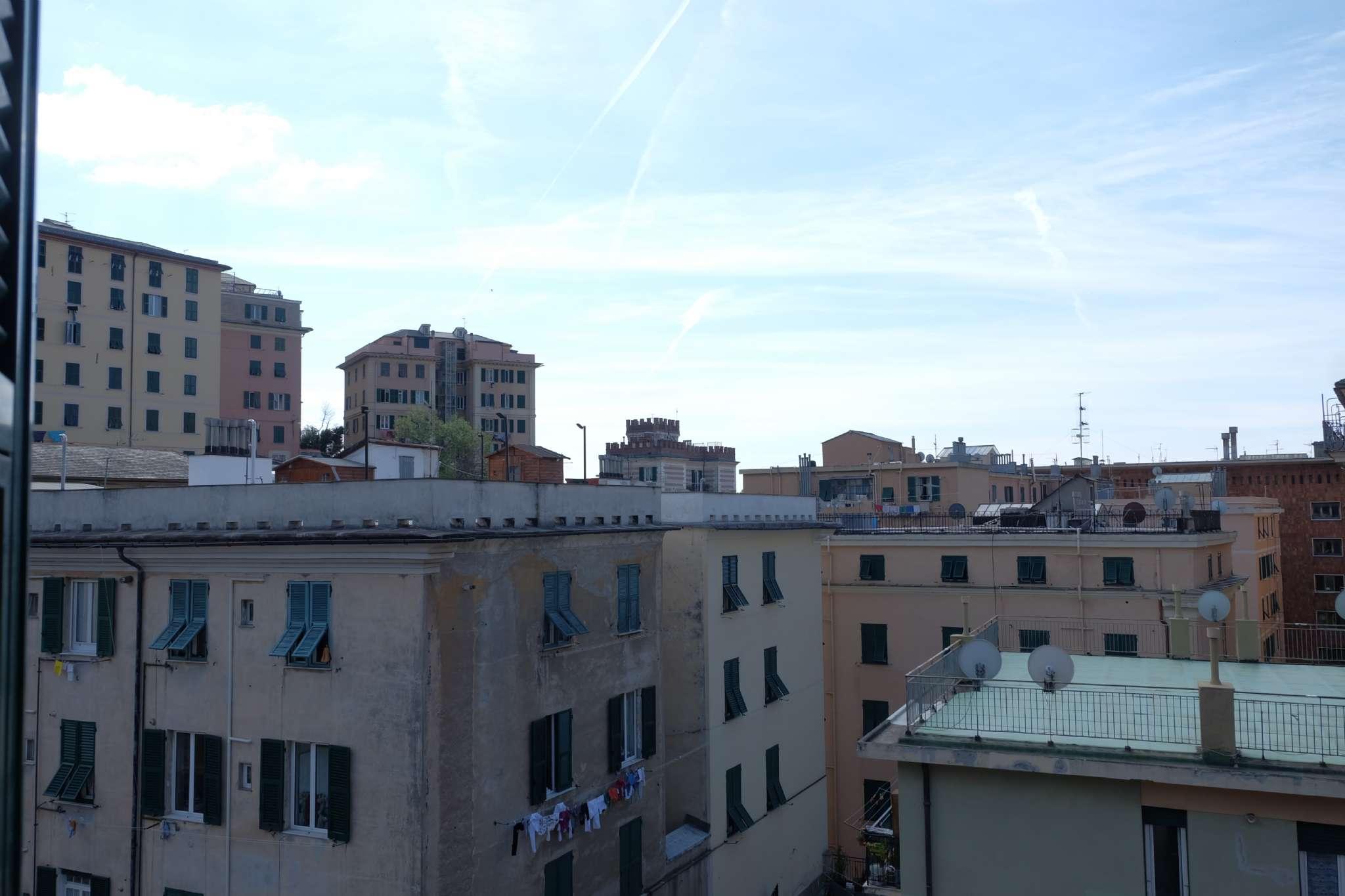 Foto 1 di Appartamento via Del Lagaccio, Genova (zona San Teodoro)