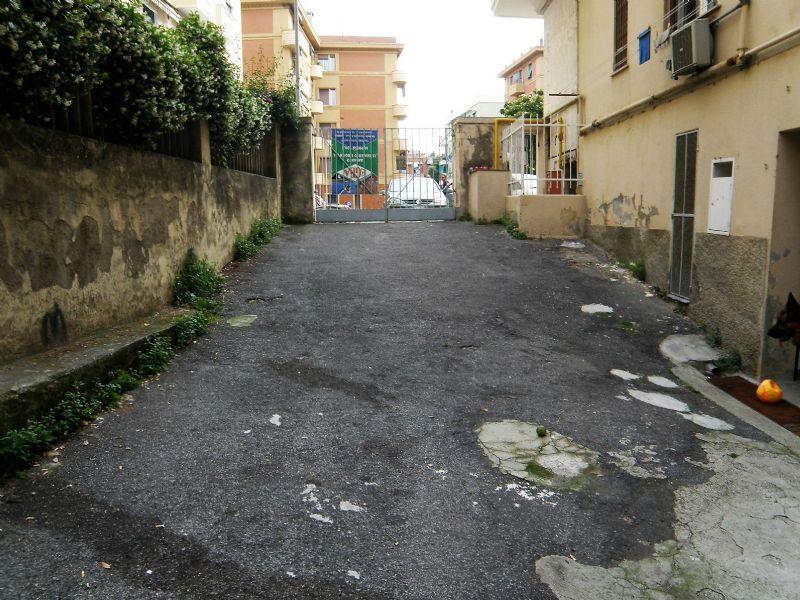 Magazzino in vendita a Genova, 1 locali, prezzo € 265.000   Cambio Casa.it