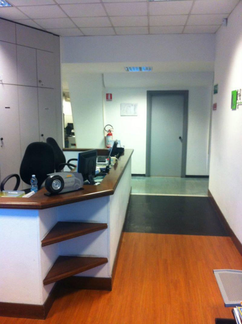 Ufficio / Studio in affitto a Genova, 2 locali, zona Zona: 19 . Quarto, prezzo € 7.000   Cambio Casa.it