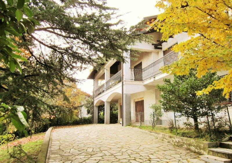 Villa Bifamiliare in vendita a Moncalieri, 15 locali, prezzo € 750.000 | Cambio Casa.it
