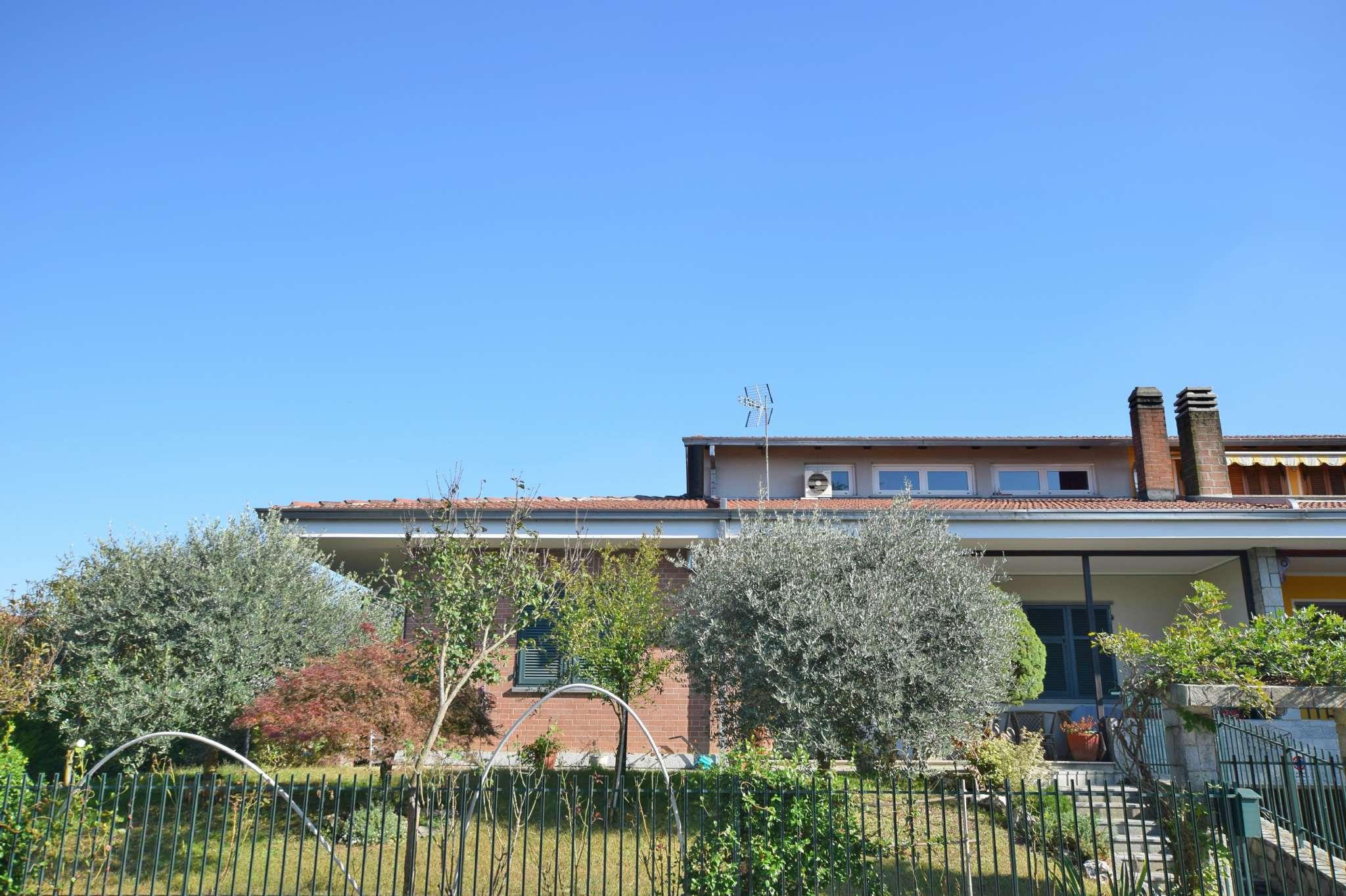 Foto 1 di Villa Bifamiliare via giacomo piovano, Cambiano