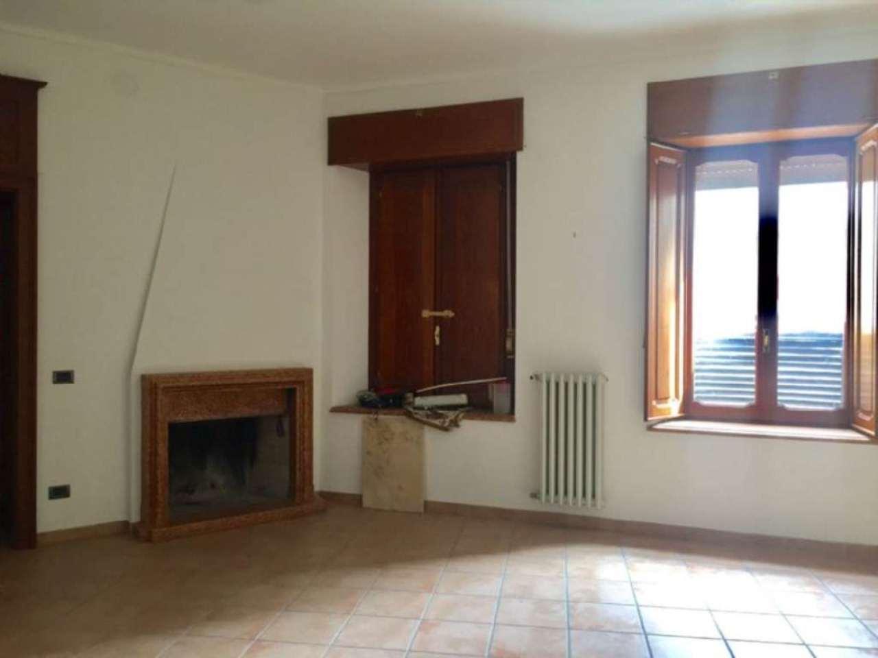 Ufficio / Studio in affitto a Pont-Canavese, 1 locali, prezzo € 180 | CambioCasa.it