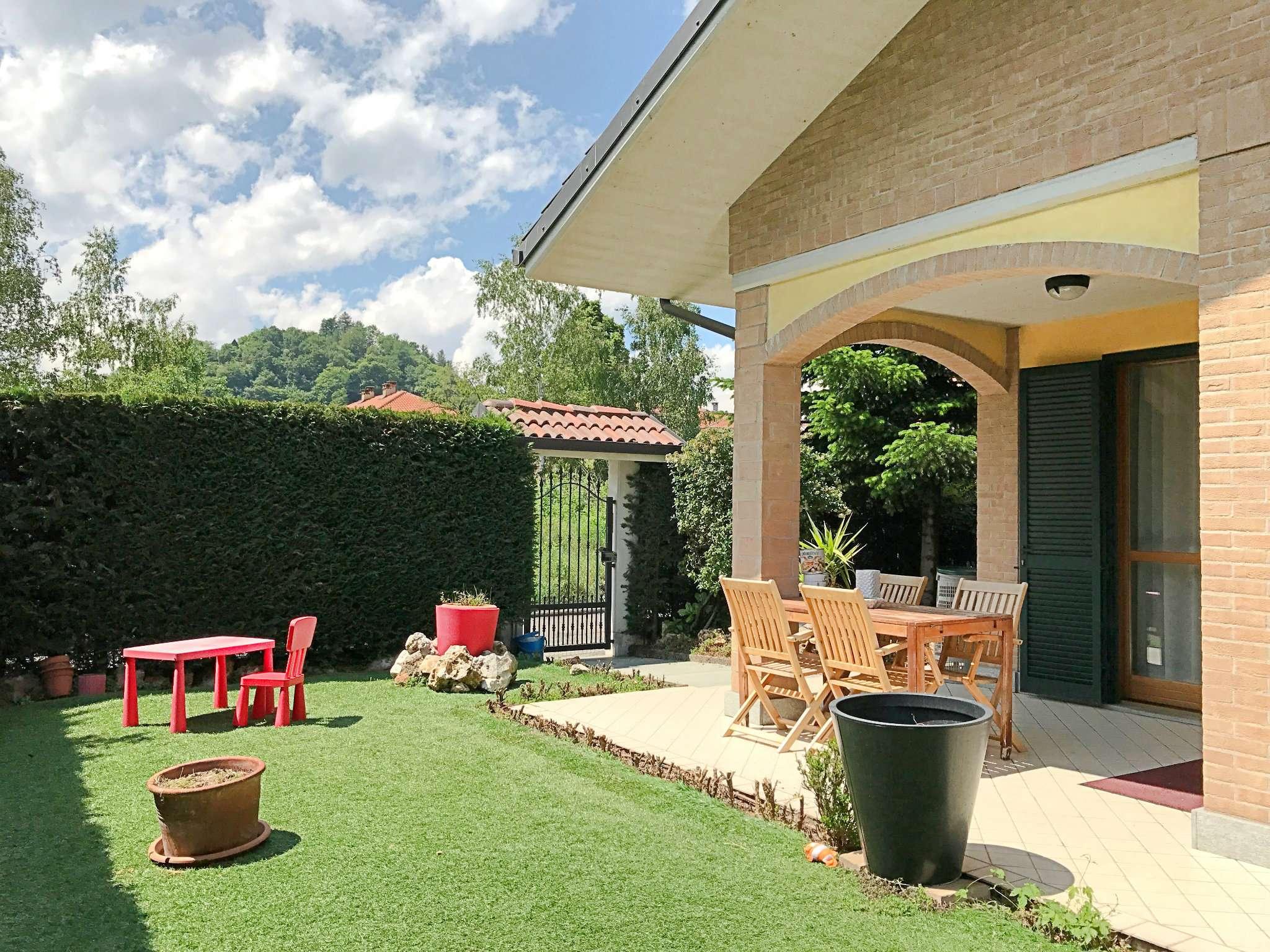 Villa in vendita a Trana, 8 locali, prezzo € 375.000 | CambioCasa.it