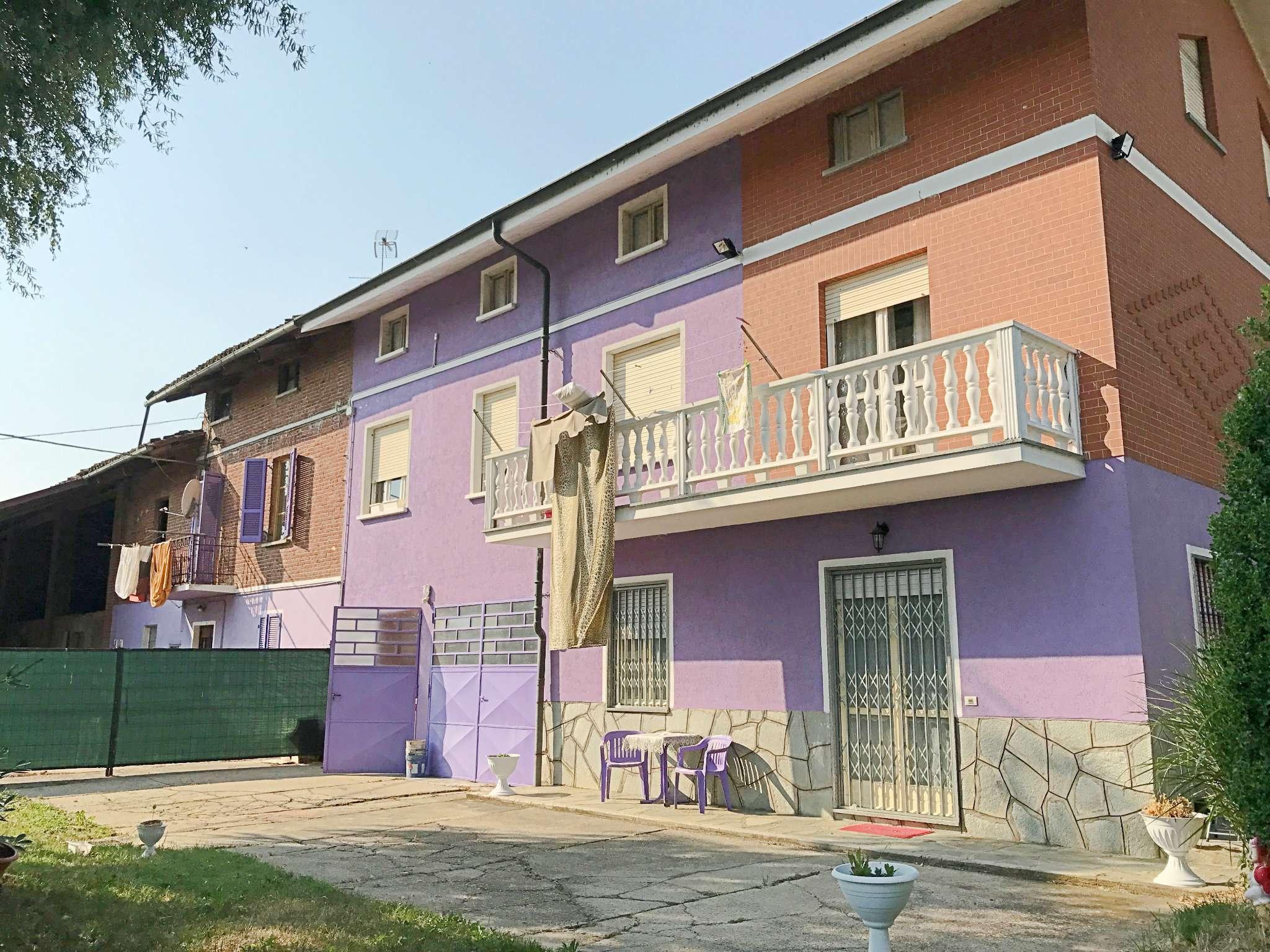 Soluzione Indipendente in affitto a Carmagnola, 5 locali, prezzo € 650 | CambioCasa.it