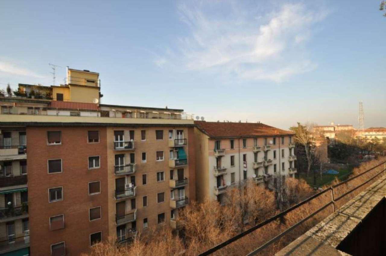 Bilocale Milano Via Tavazzano 13