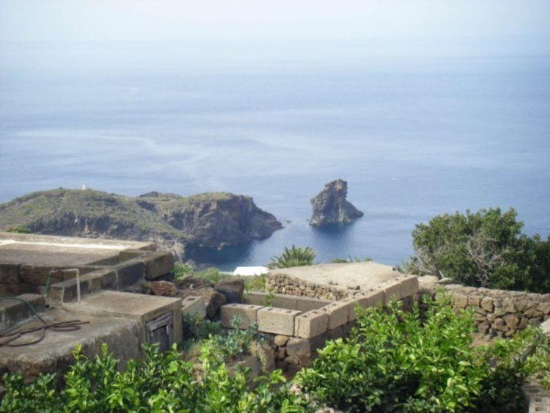 Villa in affitto a Pantelleria, 6 locali, prezzo € 1.000 | Cambio Casa.it