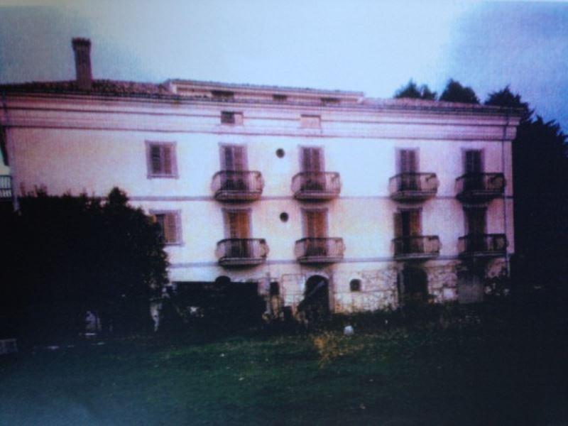 Rustico / Casale in vendita a Bassiano, 6 locali, Trattative riservate | Cambio Casa.it