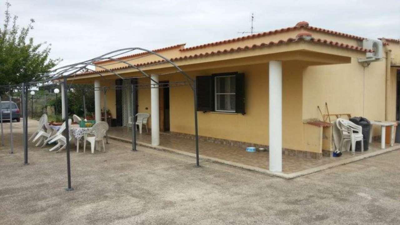 Villa in vendita a Nettuno, 3 locali, prezzo € 200.000 | Cambio Casa.it
