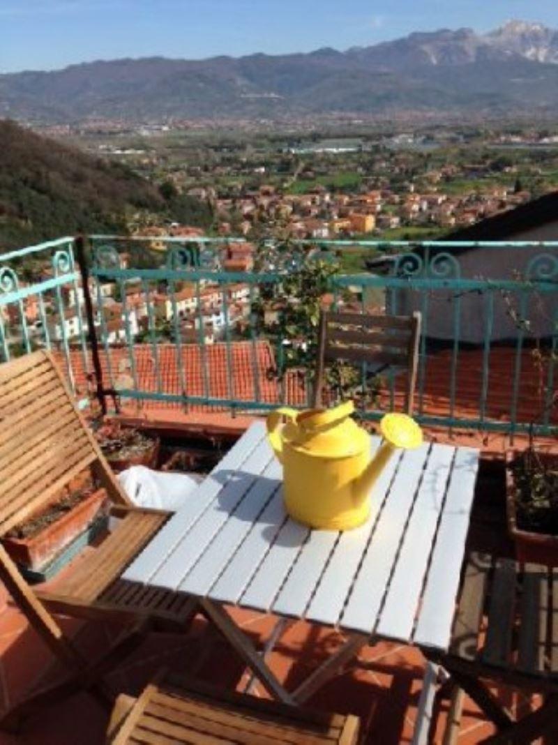 Appartamento in vendita a Ameglia, 3 locali, prezzo € 160.000 | Cambio Casa.it