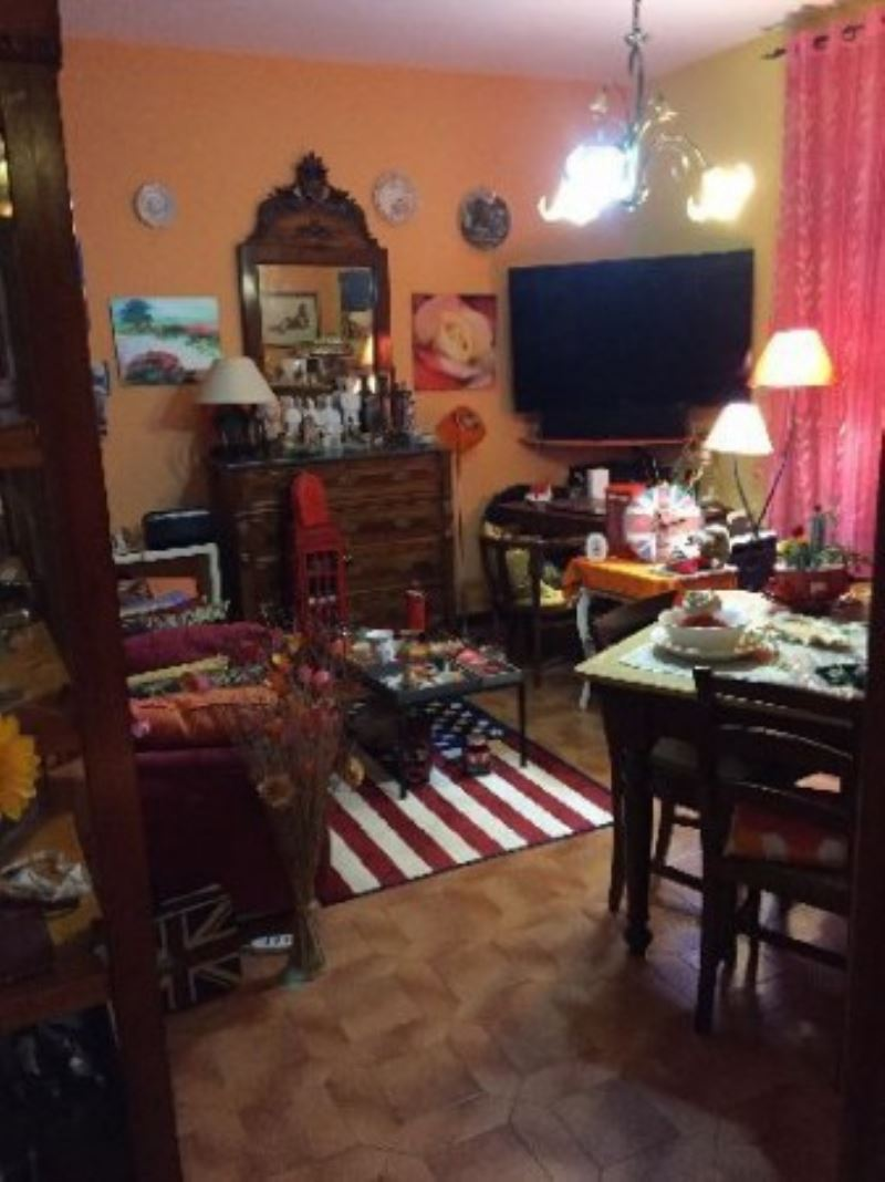 Appartamento in vendita a Ameglia, 4 locali, prezzo € 290.000 | Cambio Casa.it