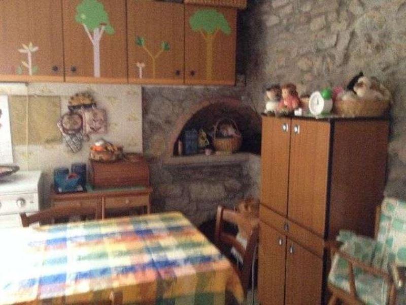 Soluzione Indipendente in vendita a Ameglia, 5 locali, prezzo € 180.000 | Cambio Casa.it