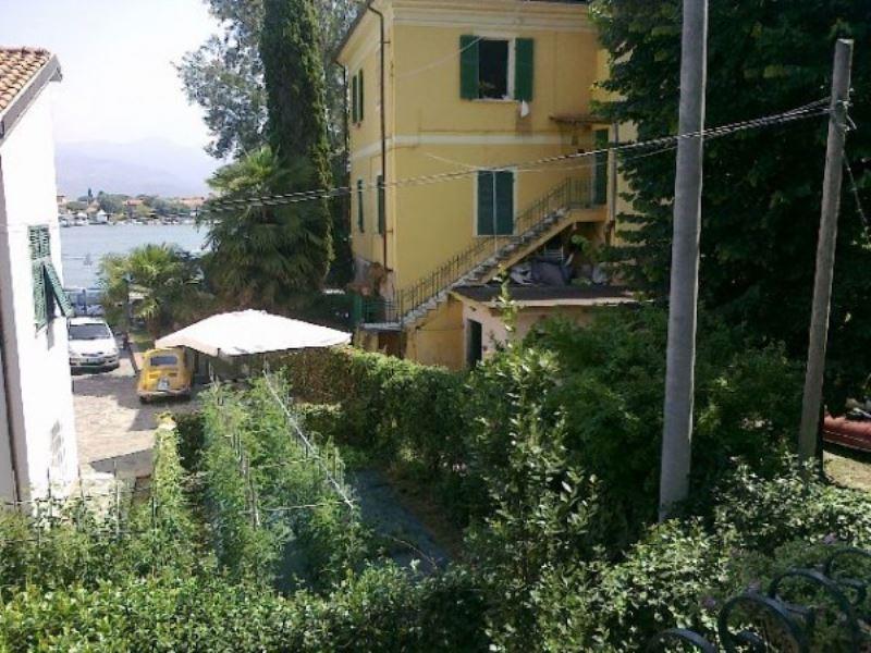 Appartamento in vendita a Ameglia, 4 locali, prezzo € 220.000 | Cambio Casa.it