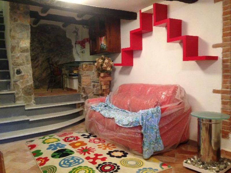 Palazzo / Stabile in vendita a Ameglia, 5 locali, prezzo € 230.000 | Cambio Casa.it