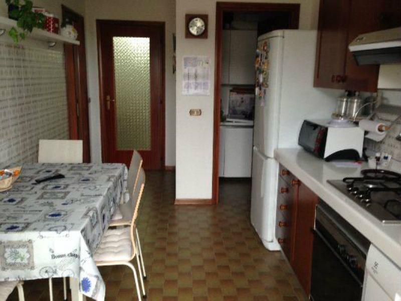 Appartamento in vendita a Ameglia, 6 locali, prezzo € 250.000 | Cambio Casa.it