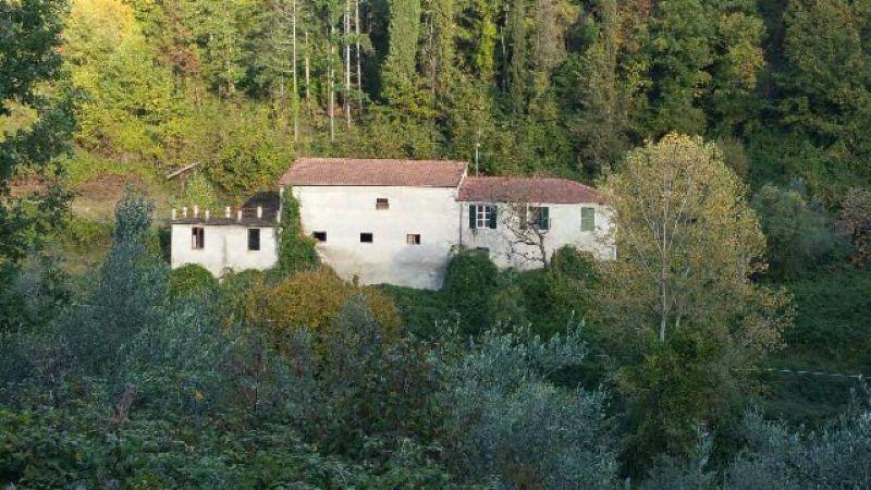 Soluzione Indipendente in vendita a Licciana Nardi, 5 locali, prezzo € 160.000   Cambio Casa.it