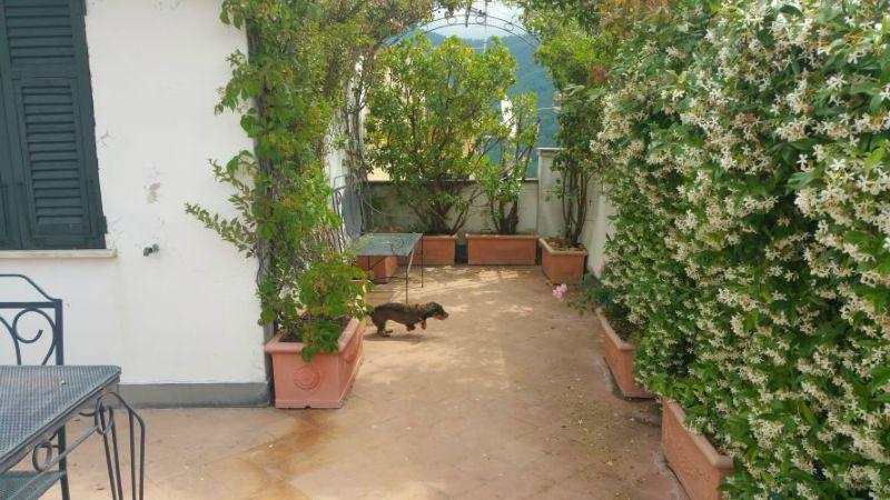 Appartamento in vendita a Castelnuovo Magra, 11 locali, prezzo € 700.000 | Cambio Casa.it