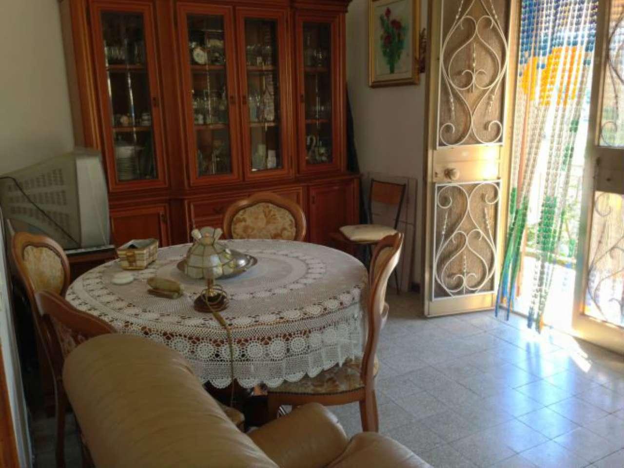 Palazzo / Stabile in vendita a Ortonovo, 4 locali, prezzo € 140.000 | CambioCasa.it
