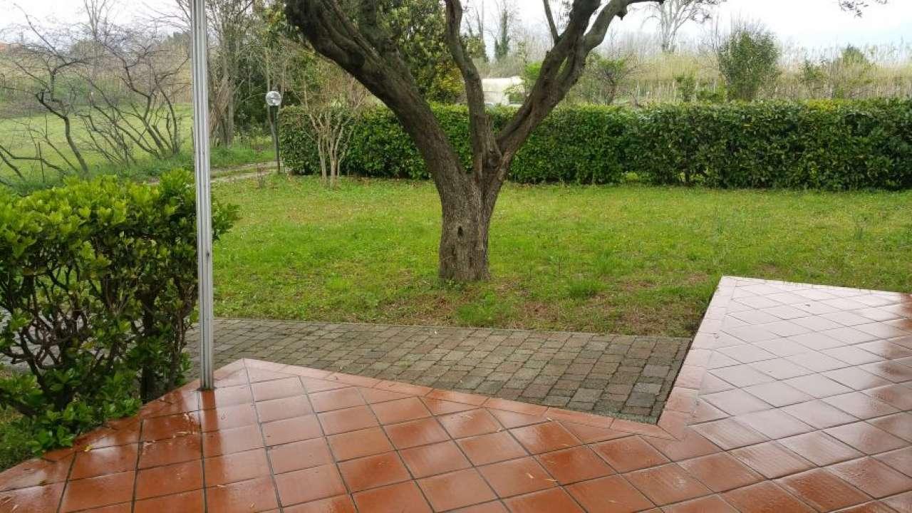 Soluzione Semindipendente in vendita a Ameglia, 4 locali, prezzo € 250.000 | Cambio Casa.it