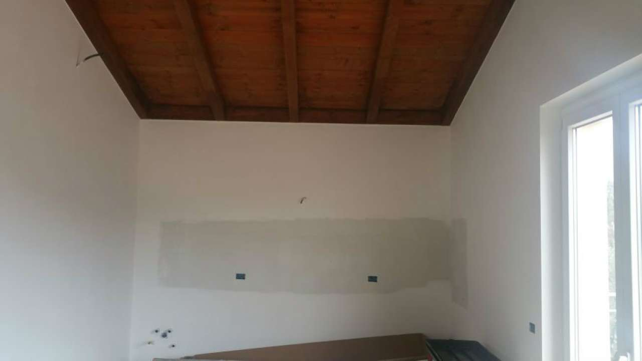 Appartamento in vendita a Vezzano Ligure, 3 locali, prezzo € 215.000 | Cambio Casa.it