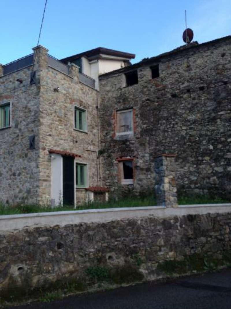 Rustico / Casale in vendita a Fosdinovo, 6 locali, prezzo € 90.000 | CambioCasa.it