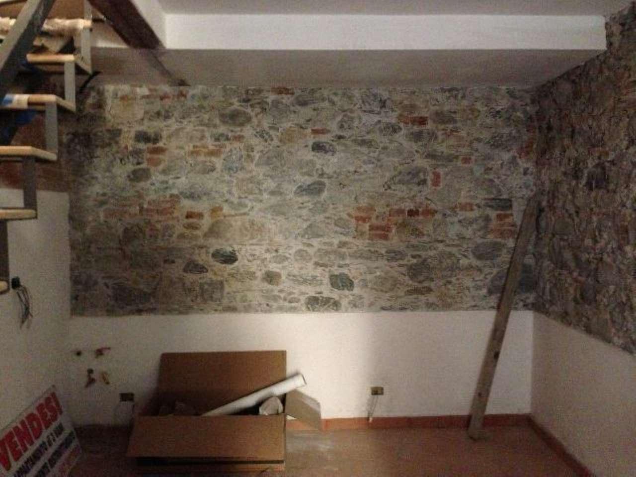 Appartamento in vendita a Santo Stefano di Magra, 3 locali, prezzo € 105.000 | CambioCasa.it
