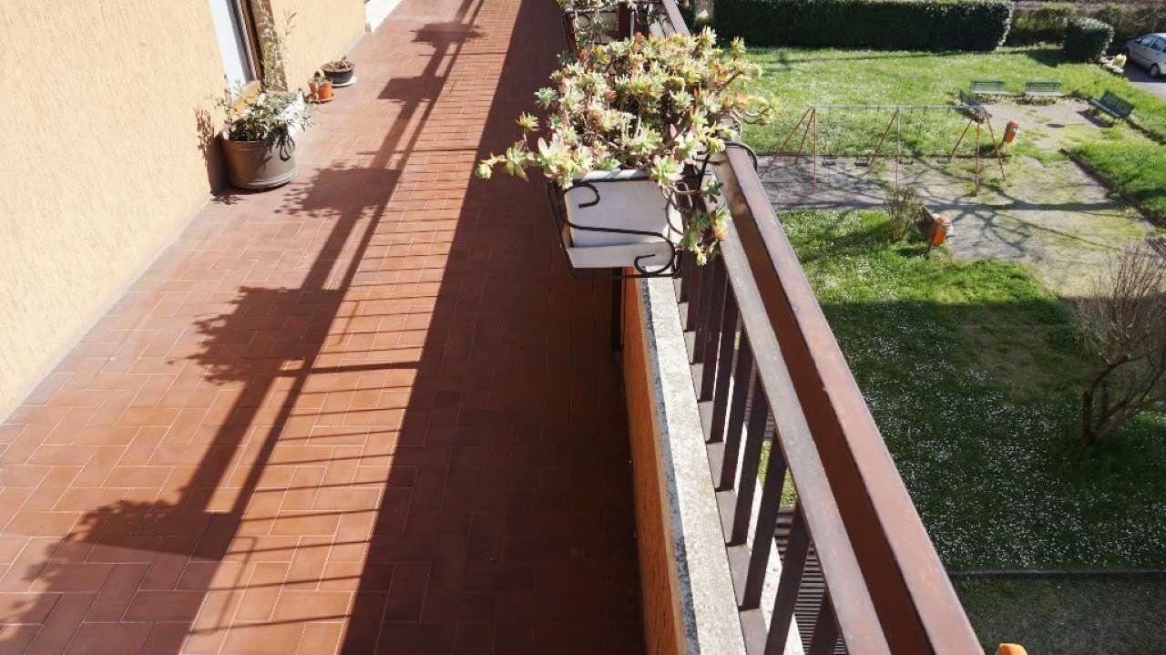 Appartamento in vendita a Arcore, 4 locali, prezzo € 199.000 | Cambio Casa.it