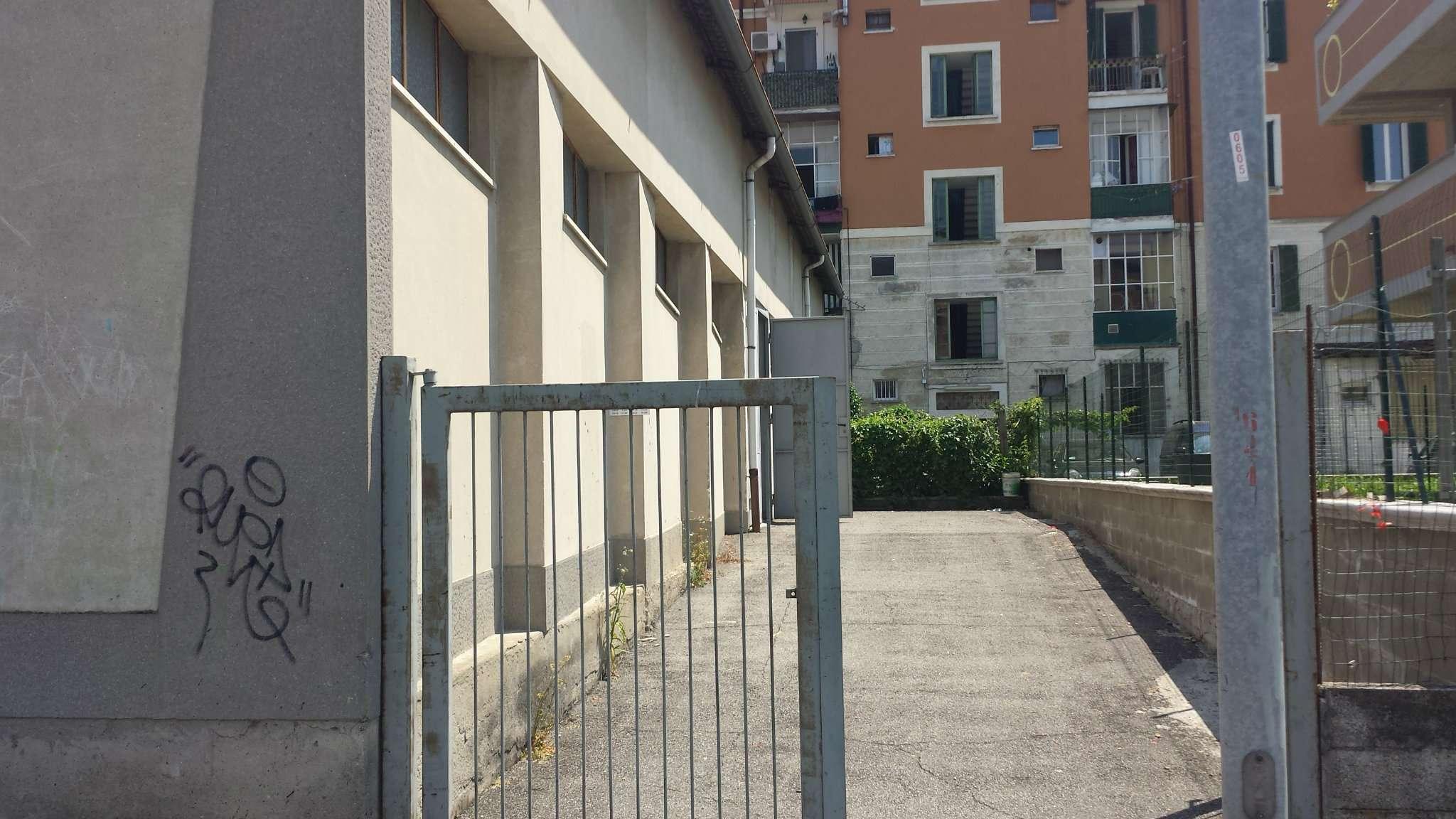 Magazzino in vendita a Carnate, 1 locali, prezzo € 99.000   Cambio Casa.it