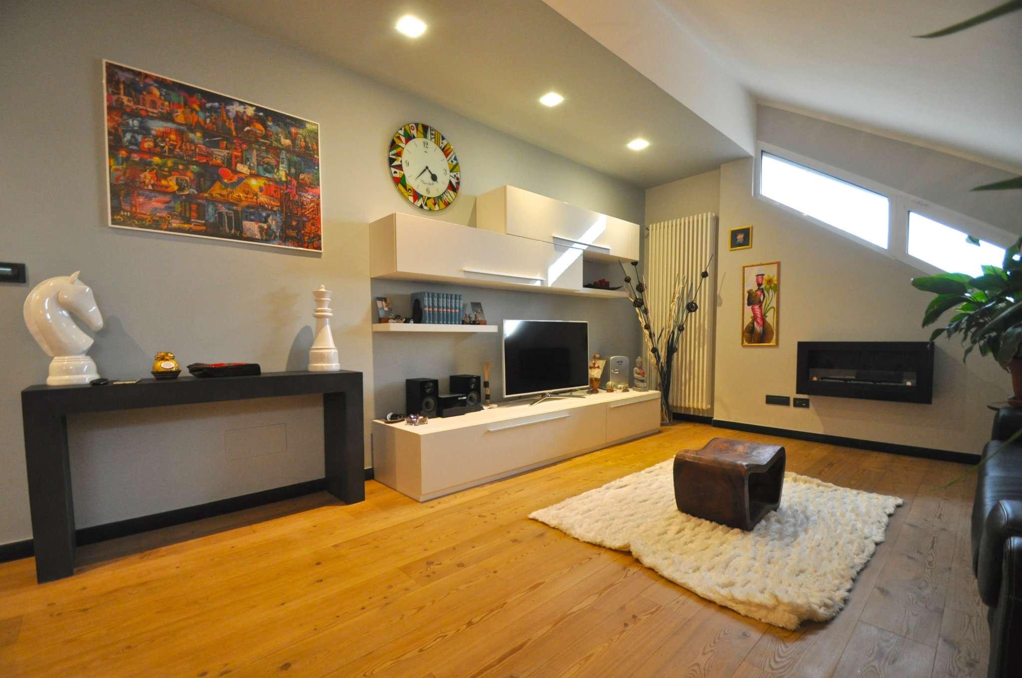 Foto 1 di Appartamento via Mario Mazza  43, Genova (zona Apparizione)