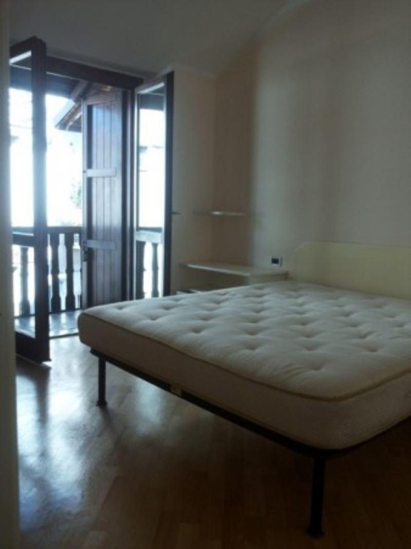 Appartamento in affitto a Lentate sul Seveso, 3 locali, prezzo € 600 | Cambio Casa.it