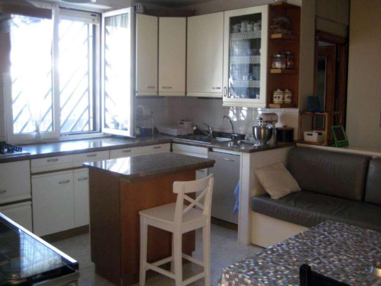 Villa in vendita a Cesano Maderno, 7 locali, prezzo € 350.000 | CambioCasa.it