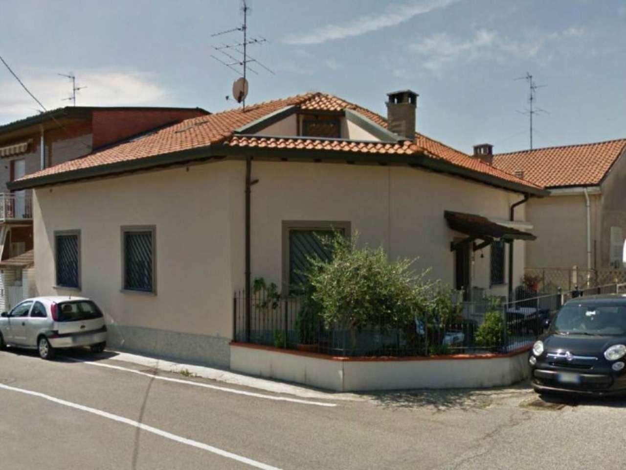 Villa in vendita a Cesano Maderno, 7 locali, prezzo € 350.000 | Cambio Casa.it