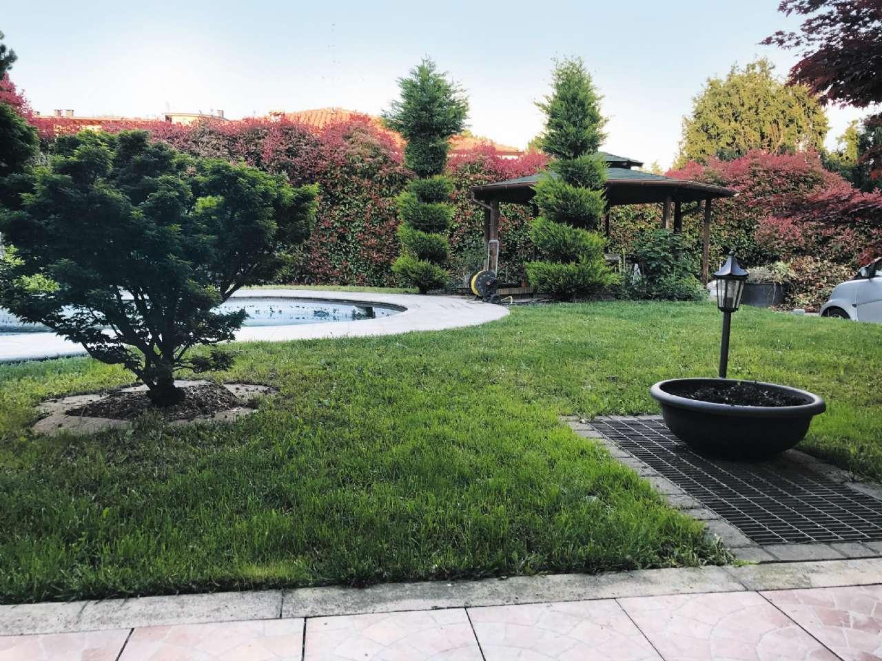Villa in vendita a Barlassina, 4 locali, prezzo € 330.000   CambioCasa.it