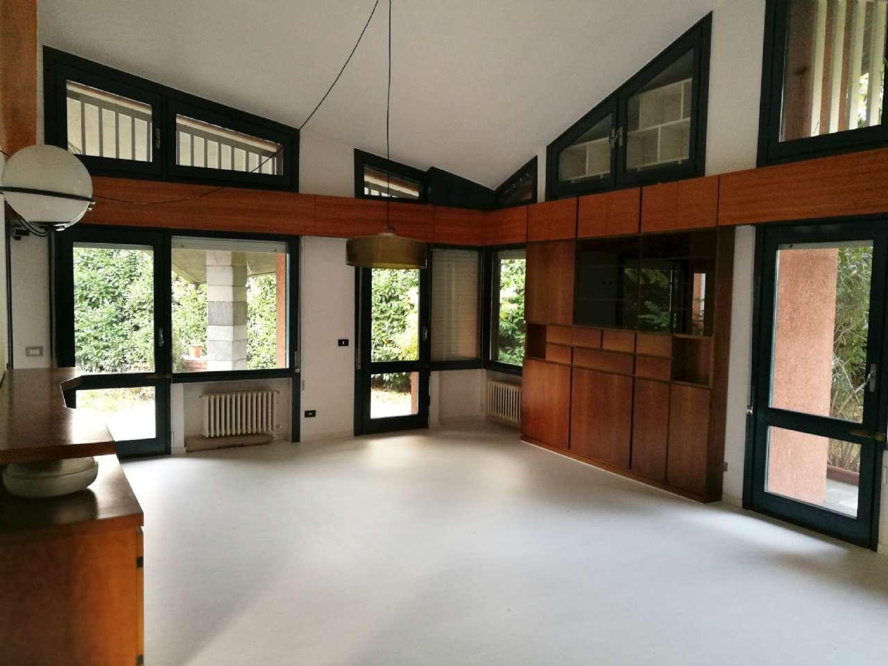 Villa in vendita a Cesano Maderno, 6 locali, prezzo € 550.000 | CambioCasa.it