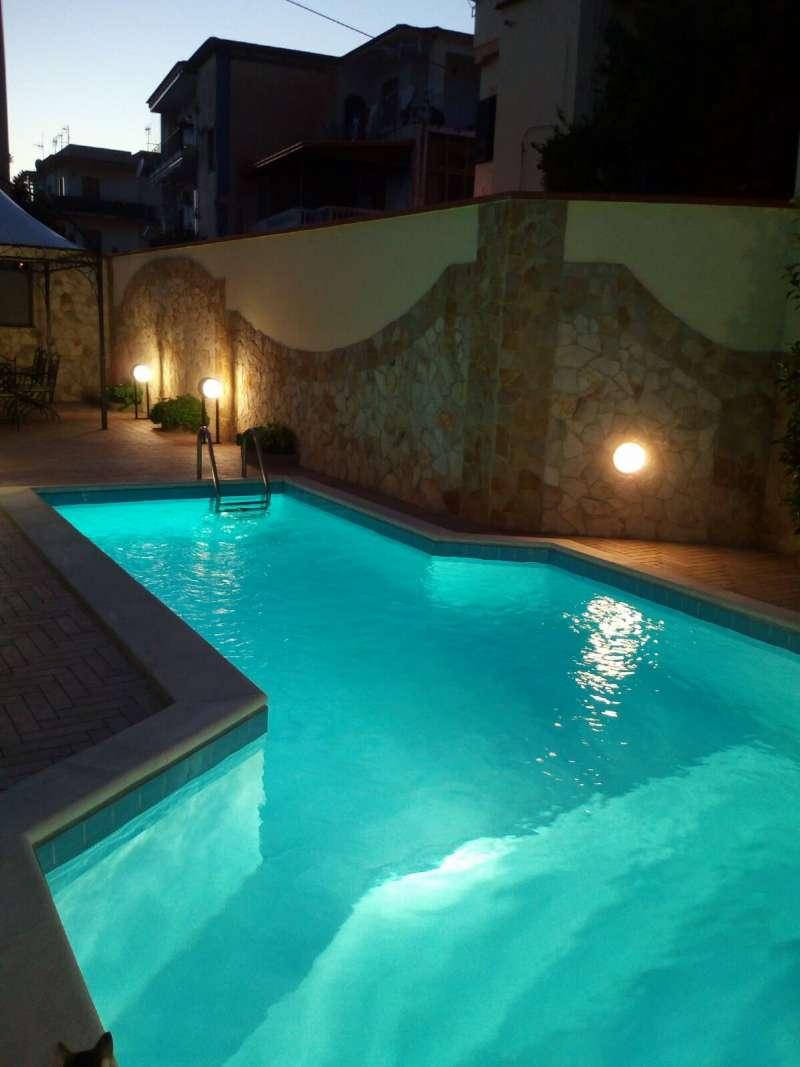 Villa in vendita a Trecase, 6 locali, prezzo € 450.000 | CambioCasa.it