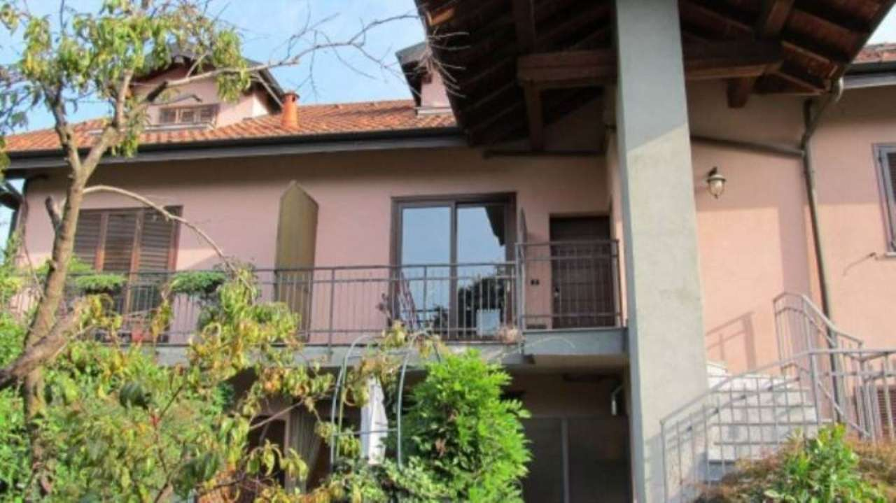 Appartamento in vendita a Daverio, 3 locali, prezzo € 158.000 | Cambio Casa.it