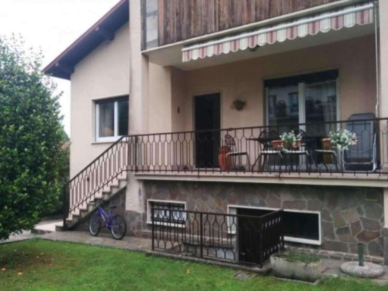 Villa in vendita a Varese, 6 locali, prezzo € 480.000 | Cambio Casa.it