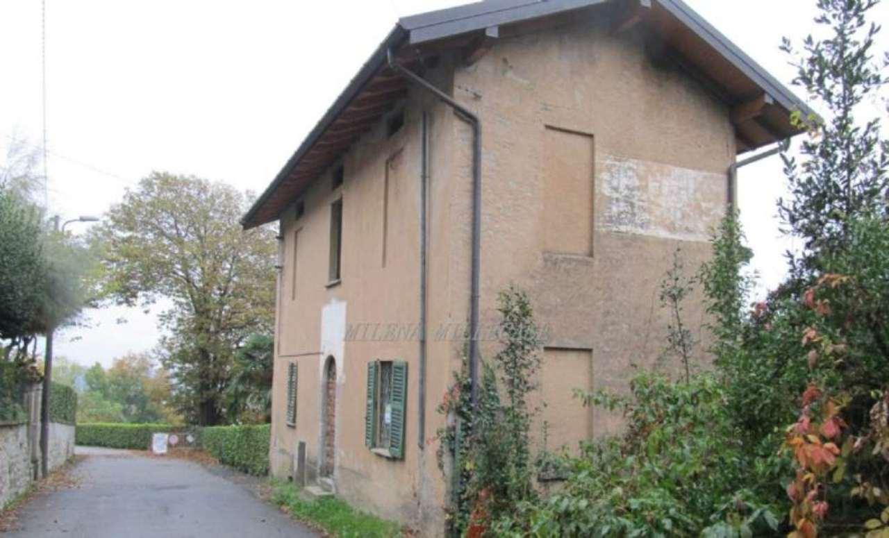 Rustico / Casale in vendita a Varese, 4 locali, prezzo € 150.000 | Cambio Casa.it
