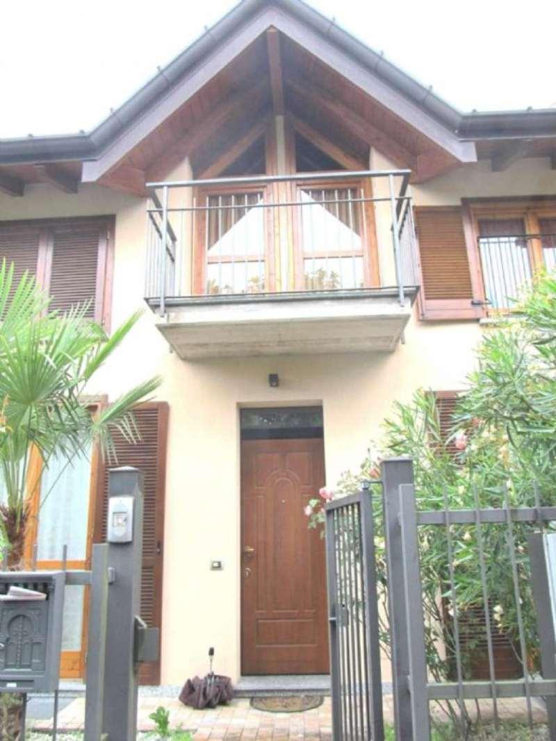 Villa in vendita a Cocquio-Trevisago, 5 locali, prezzo € 295.000 | Cambio Casa.it
