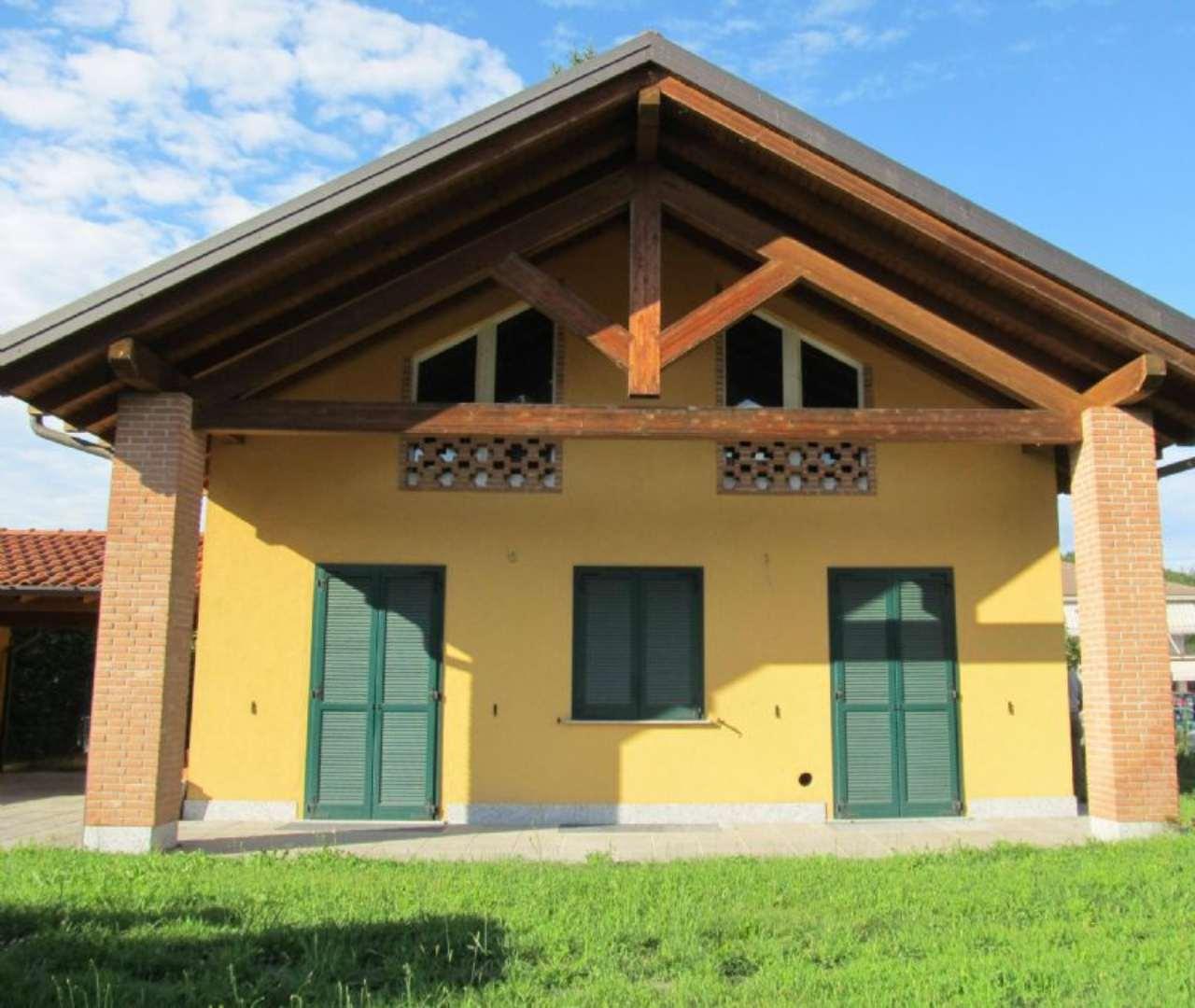 Villa in vendita a Bodio Lomnago, 7 locali, prezzo € 365.000 | Cambio Casa.it