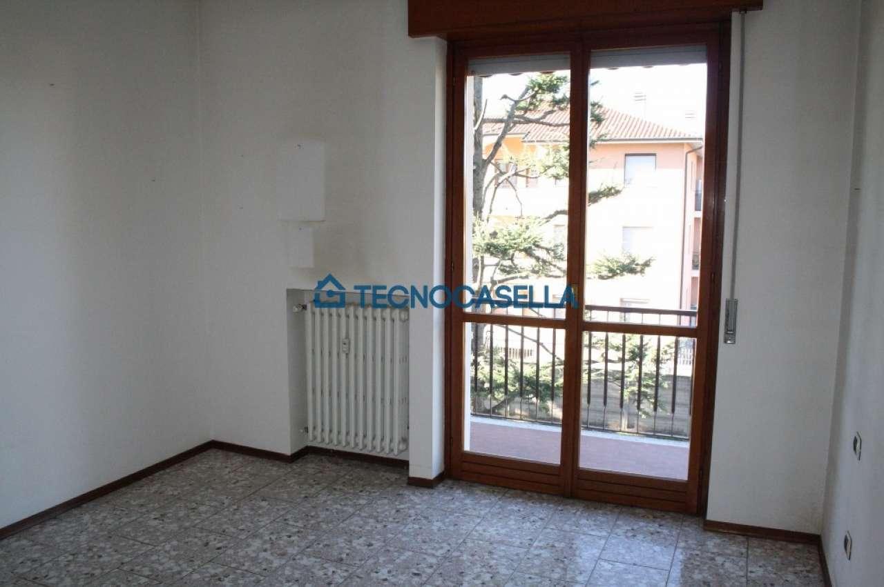 Bilocale Arluno Piazza Alcide De Gasperi 13