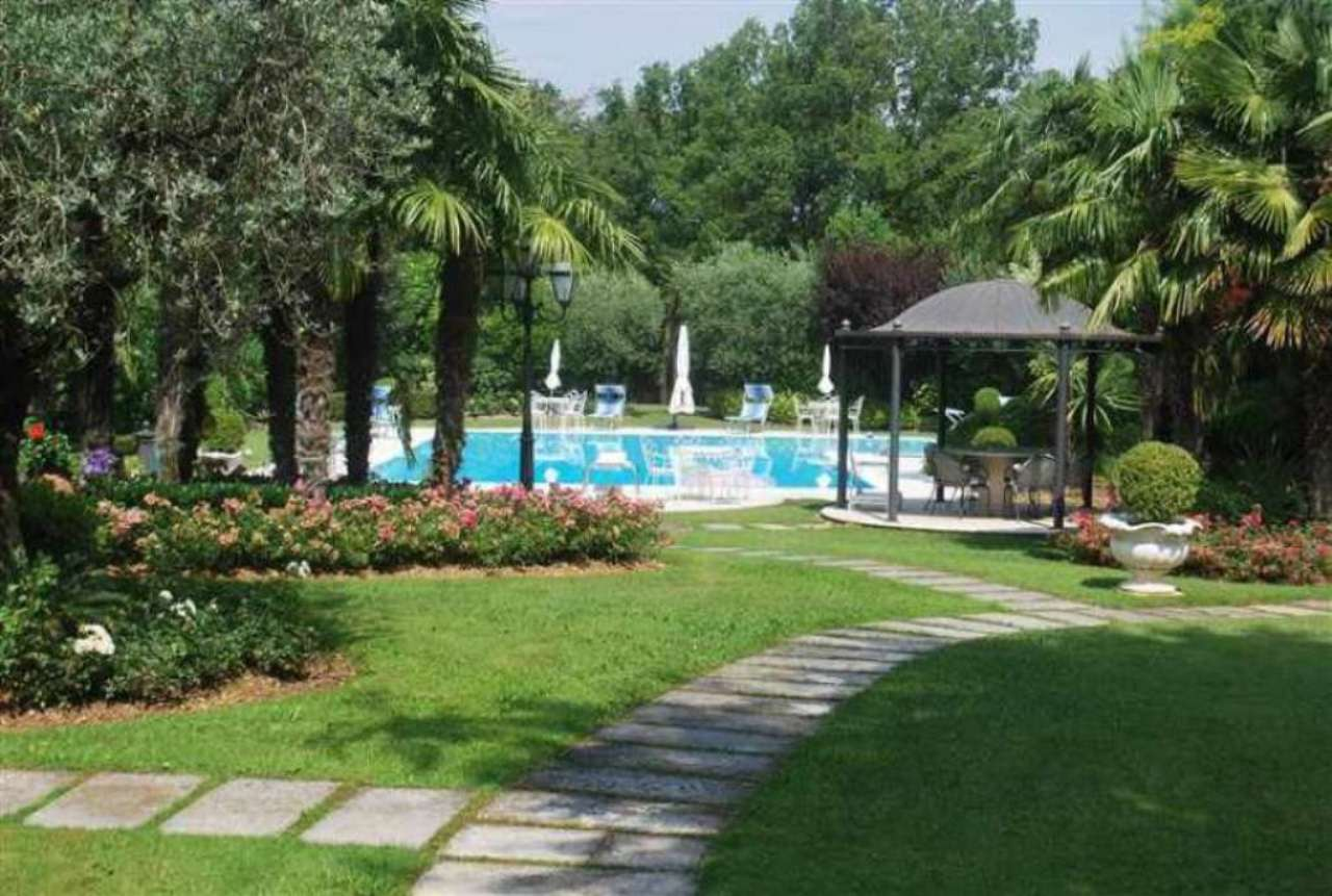 Villa in vendita a Padenghe sul Garda, 15 locali, prezzo € 2.000.000 | Cambio Casa.it