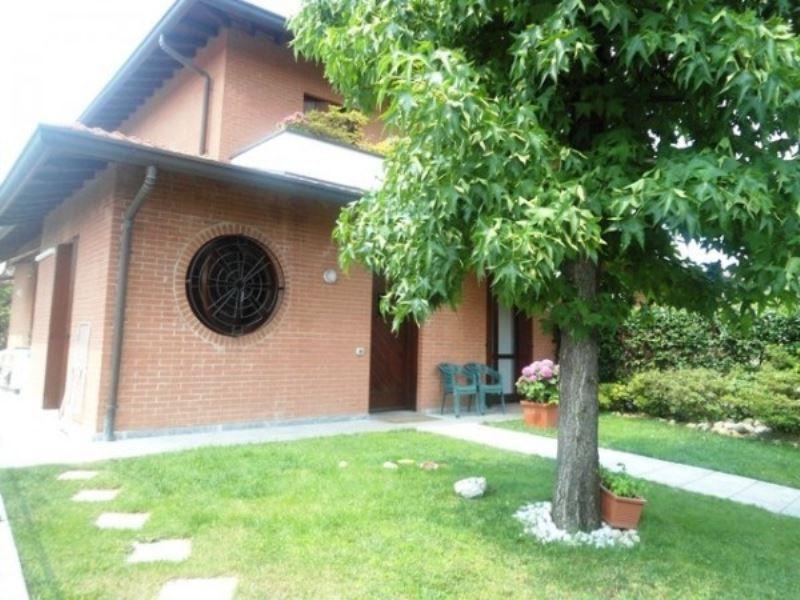 Villa in vendita a Seregno, 5 locali, prezzo € 370.000 | Cambiocasa.it